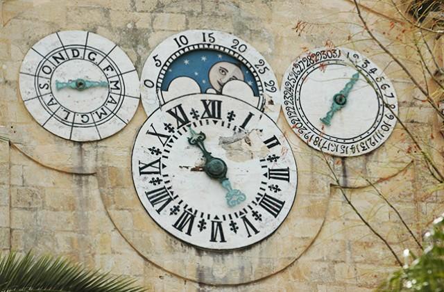 Due orologi a Malta